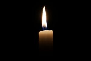 Bild einer brennenden Kerze